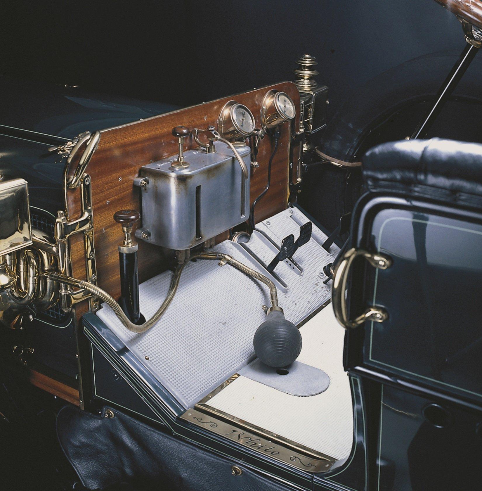 Taft's 1909 White Steam Car