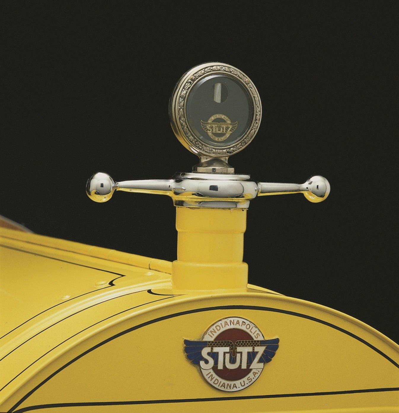1915 Stutz emblem